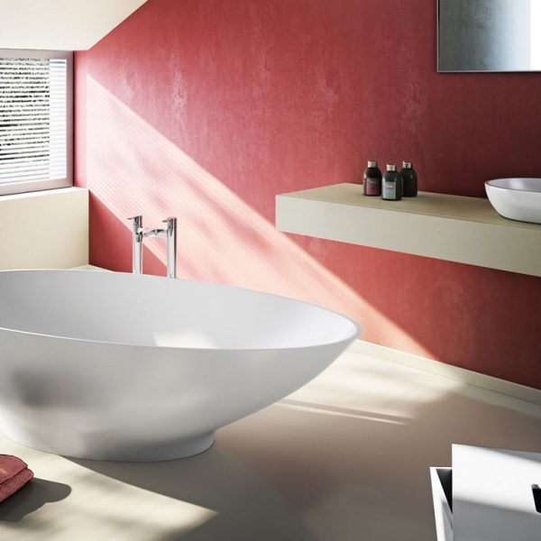 Clearwater Teardrop Small Freestanding Acrylic Bath