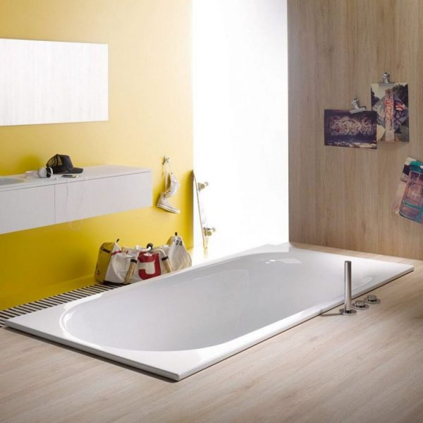 Bette Comodo Built-In Glazed Titanium-Steel Bathtub